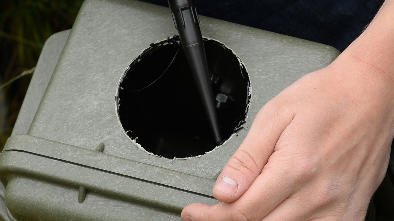 how to make a dslr camera trap housing