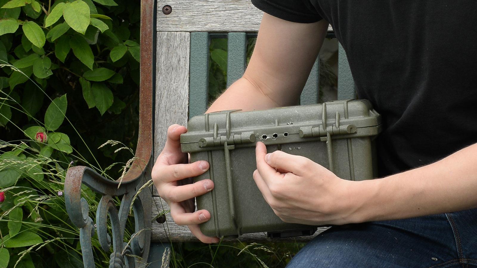 how to make a camera trap housing