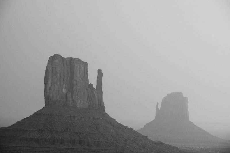 example of how to photograph black and white landscapes