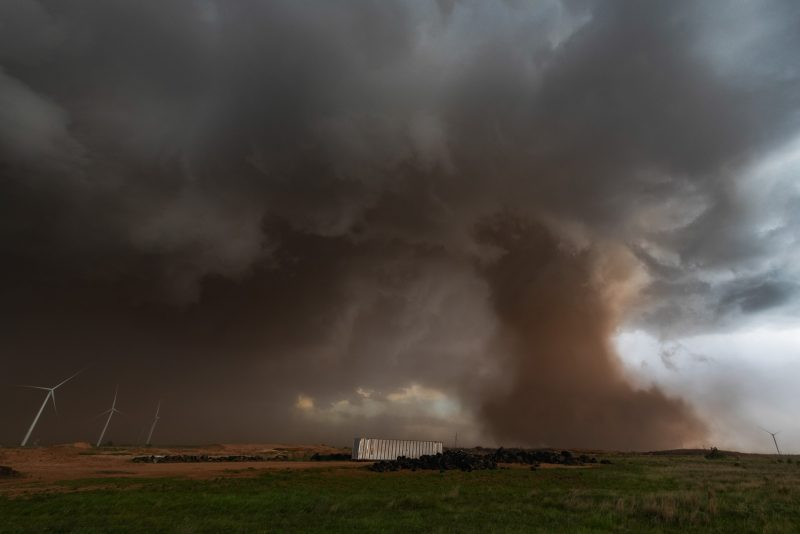 how to photograph tornadoes