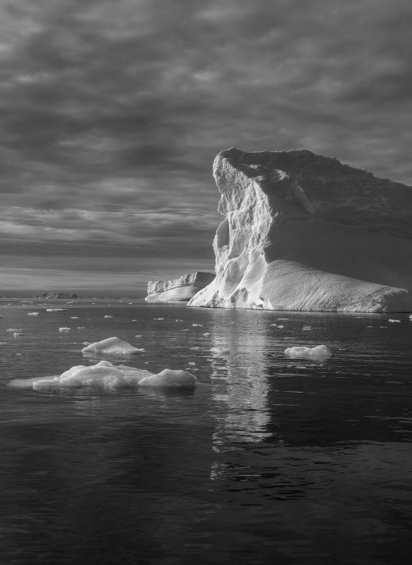 How to Photograph Icebergs - black and white