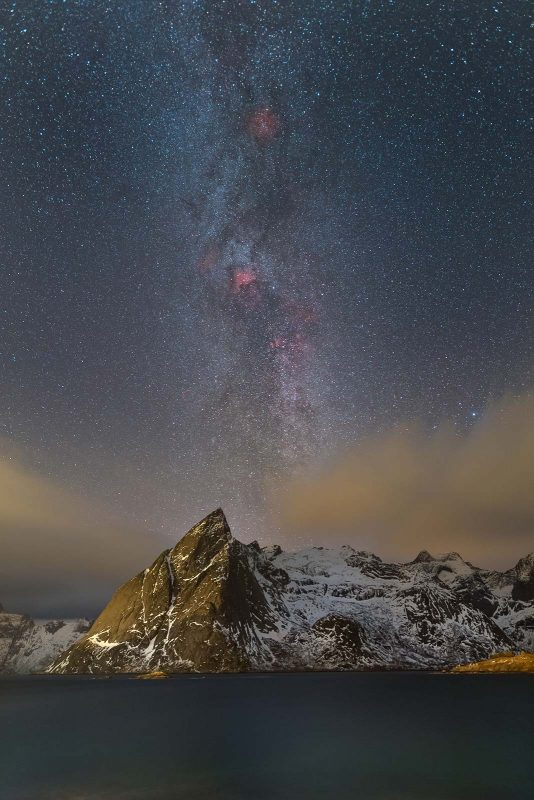 the milky way over mountains