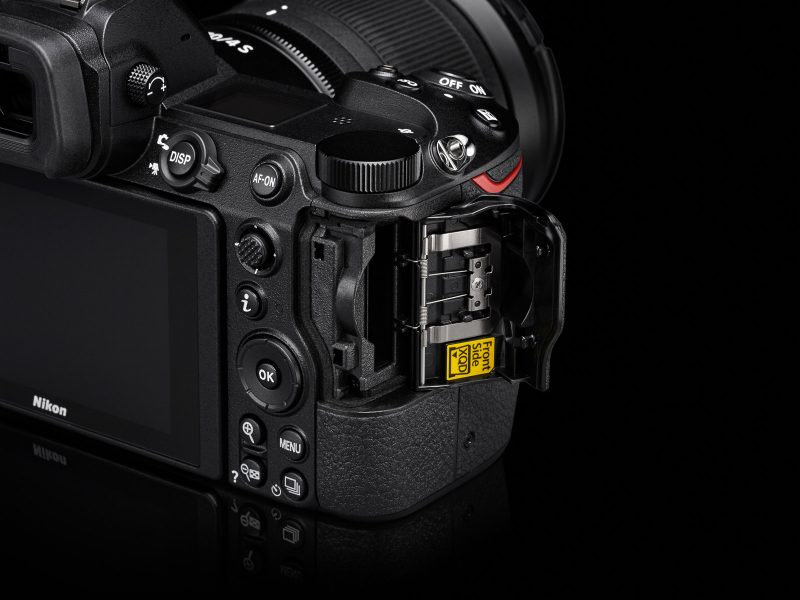 Nikon Z7 Mirrorless Camera single memory card slot